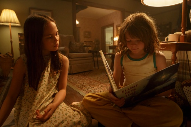 Oakes Fegley is Pete and Oona Laurence is Natalie in Disney's PETE'S DRAGON, the story of a boy named Pete and his best friend Elliot, who just happens to be a dragon.